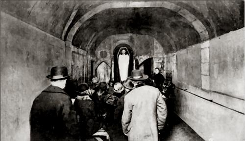 Cabaret du Néant: Caveau des Trépasses