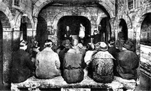Cabaret du Néant: Caveau, Les Spectres